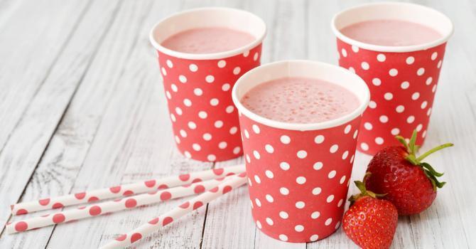 Soupe banane, fraise, lait de coco